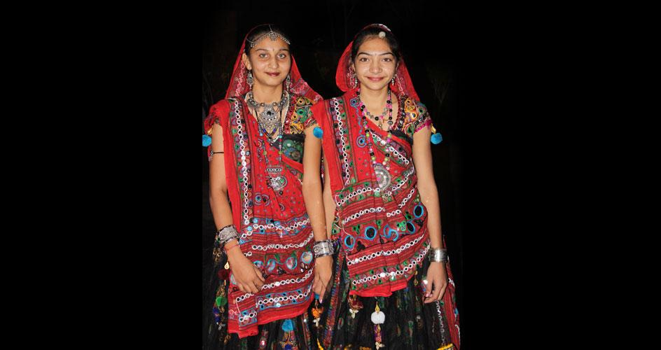 Garba Dance Girls Gujarat Tribal Tour