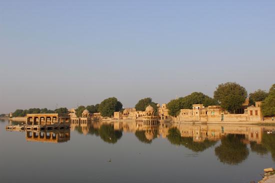 sunriseat Gadisar Lake