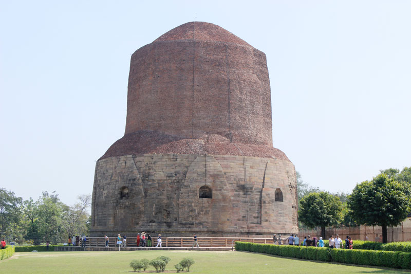 Sarnath Buddhist Stupa - A journey to spiritual India